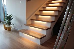 Schody na beton podświetlone