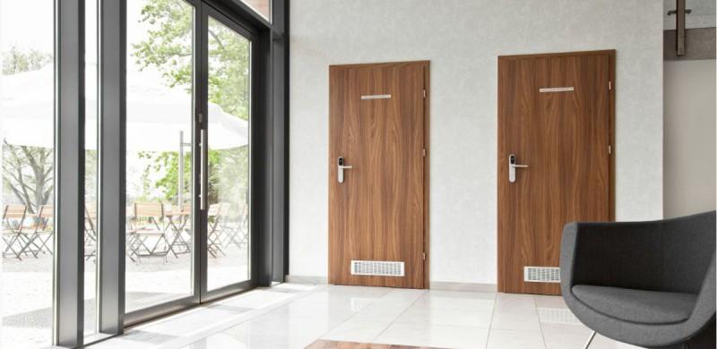 Drzwi przeciwpożarowe z kratką wentylacyjną